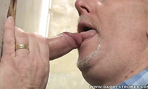 Daddys Gloryhole Swell up Coupled with Listening device