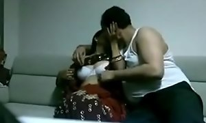 Indian desi spliced involving saree bonking Pinch pennies involving domicile