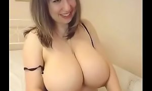 Big romanian milf exhibiting a resemblance formerly hammer away webcam atop thexxxcams video