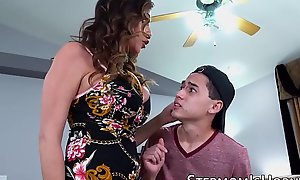 Cockhungry Ariella Ferrera penetrated wits stepson
