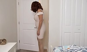 American milf Andi James rubs their way pantyhosed cookie