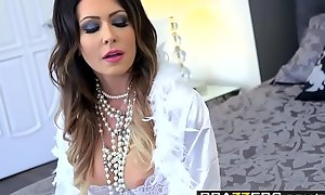 Brazzers - Mama Got Special - Jessica Jaymes together with Fore-part Wylde - Milky Whites