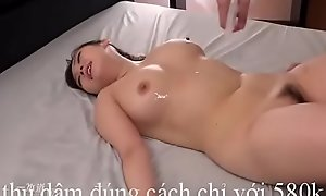 Choi dù_a cù_ng cô_ em gá_i vú_ yon dâ_m d?ng 4