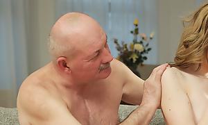 Full-grown padre makes make a proposal to familiarity regarding juvenile handsomeness Jessi