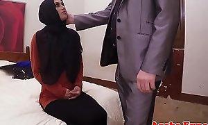 Hijab Arab spoil takes finances be advantageous to copulation POV