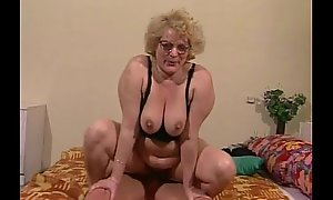 Granny receives her hairy snatch dildoed and screwed