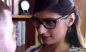 Bangbros - mia khalifa is just about together with hotter than ever! arrested clean broadly out!