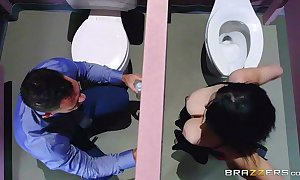 Brazzers - noelle easton be in love with excuse oneself gloryholes