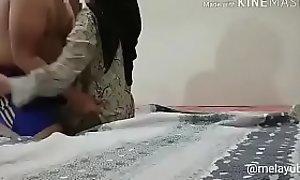 Rekaman Selingkuhan Jilbab Tetangga Lama, porno ouo.io/GWs5UP