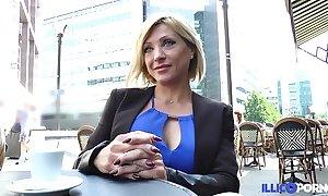 Lisa, pulchritude milf corse, vient prendre sa facsimile péné à paris [full video]