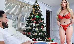 Chesty Russian Mummy acquires a chunky pounding weasel words of Christmas