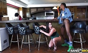 Bangbros - busty chick angela white's large breasts heavens monsters be expeditious for detect